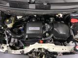 スムーズな走りと、優れた燃費を両立したエンジンです。