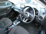 黒を基調としたシックで落ち着いた雰囲気のコクピット!コンパクトカーとは思えない上質なインテリアは「大人のコンパクト」といった趣です!ブラウンカラーのシートをはじめ上品な印象です!