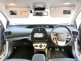 運転席、助手席サンバイザ-には鏡も付いて、あれば大変お役にたちます☆