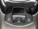 【電子ブレーキ】サイドブレーキは電子制御となっており、発進時、停止時に操作の必要が御座いません。ご心配な方は手動でも操作が可能です。