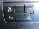 線逸脱防止機能、横滑り防止機能などでドライバーの安全運転をサポート致します!