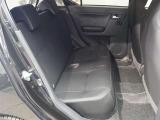 大人もゆったり乗れるセカンドシート。乗車定員4人乗りです。