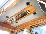 後席大型モニター/3Dイルミ/ダッシュマット/ドアバイザー/並行ミラー/各所LED変更/パワーシート/鍵付フューエルキャップ/取説/過去整備記録簿/純正キーレスキー/電動サードシート