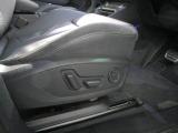 電動調整機能。(ランバーサポート4ウェイ)シートヒーター付