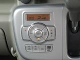 車内快適にデジタル式オートエアコン。
