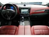 レヴァンテ グランスポーツ 4WD アシスタンスPKGカーボンインテリア保証付