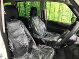 『セカンドシートはシートの前後や、リクライニングも可能ですので、ゆったり♪大人でも快適に乗って頂けます♪』