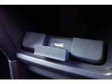 USBジャック付きですので、音楽再生や携帯の充電も対応可能!ロングドライブでも電池残量安心ですね!