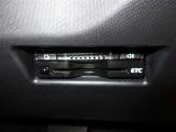 高速道路の利用時に便利なETC、見た目もスッキリとしたビルトインタイプを装備しています。