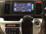 ナビゲーションはワンセグTV、インターナビ対応のGathersVXM-145VSiを搭載。Bluetoothオーディオ機能あり、スマホ等の音楽も再生できます。オートエアコンがついてますので、簡単操作で快適に過ごせます。