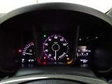 【メーターパネル】一目でわかるスピードメーターをはじめ各種計器類は運転中でも確認しやすく安全運転につながります。
