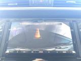 バックモニター付きです!バックする際に後方の様子をカーナビのモニター上に表示してくれます。運転席にいながら、後方が確認できるのでバックや駐車がスムーズに行えます。