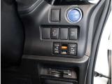運転席からも操作できる両側パワースライドドア付きです。