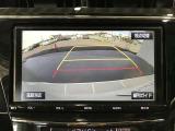 車庫入れや後方操作をサポート!苦手な駐車も安心のバックモニター付きです♪ガイド線も表示されますので、どこまで下がれば良いか目安にもなります☆