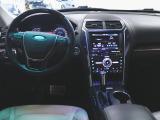 エクスプローラー タイタニアム 4WD