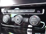 ★デュアルオートエアコン付き! ★強力なエアコンで車内を快適温度に保ちます♪