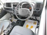 当店でお買い上げのお車は全車無料保証付き!基本パックは、一か月or1000km。安心パックには、消耗品交換と内外装クリーニング仕上げと業界最長の12か月or10000kmのロング保障付きで安心です!
