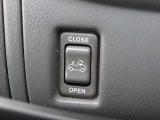 スイッチひとつで電動オープン!目立ちますね!