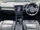 XC40 T4 AWD インスクリプション 4WD 4WD 本革シート