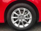 全車両に標準装備の純正アルミホイールは、純正ならではのバランスの良いデザインと、走行安定性をお楽しみ頂けます。
