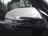 付いているだけで高級感UPするウィンカー付きサイドドアミラー 対向車からの視認性の向上につながり安全度UP