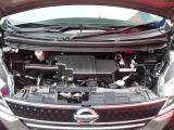きれいなエンジンルームです。安心してお乗りいただけますように、自社工場にてしっかりと点検・整備後納車させていただきます