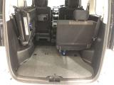 【3列シート】サードシートは跳ね上げ式で女性でも簡単に操作でき、荷物もたくさん積めます★