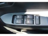 運転席のスイッチですべての窓の開閉ができます!
