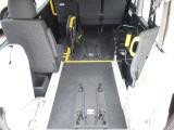 ハイエース  福祉車両 ウェルキャブBタイプ 電動スライドドア