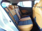 リアシートは厚みのあるシートで座り心地もバッチリ!