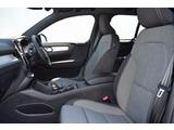XC40 B4 AWD モメンタム 4WD