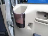 ☆後部座席にもカップホルダーついてます。