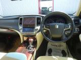 クラウン 2.5 ロイヤルサルーン i-Four 4WD