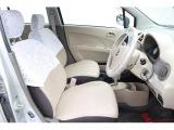 運転席は座面のクッションが厚く座り心地が良い上、サポート感に優れているため、遠出時も疲労が少ないです。