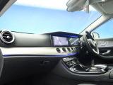 ●前席:OPレザーPKG付きです♪ゆったりとしたドライバースペースで、長時間の運転でも快適にお過ごしいただけます。