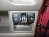 運転席にはシートヒーターが装備されています