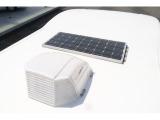 ソーラーパネル付きでサブバッテリーの充電も楽々です!