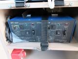 サブバッテリー用充電器装備!!こちらの装置のコンセントを外の電源に繋ぎサブバッテリーを充