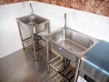 シンクは2槽になります!給排水タンクの取り付け承ります!!