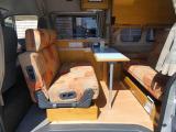 ハイエース  ナッツRV製ラディッシュ 常設2段ベッド