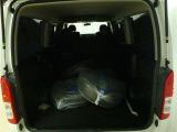 ラゲッジルームの画像です 可倒式リヤシートで大きな荷室の空間を作ることが出来ます