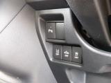 ★衝突軽減サポート装備★追突事故の危険を察知し、衝突を回避、または軽減してくれるので安全面でも安心です!さらに後部のコーナーセンサーがついていますので、車庫入れなどの時に安心です。