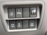 エマージェンシーブレーキなど各種安全装置が付いています