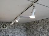 ライティングレール照明装備!好きな位置に好きな角度で照明を配置可能です!!