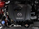 「SKYACTIV-G(ガソリン)」は、圧縮比14を実現して世界のエンジン技術者に驚きを与えました。 さらに、ノッキングの発生を抑えて圧縮比を14まで上昇させ、熱効率をに向上させました。
