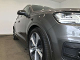 Audi Q7 45 TFSI quattro urban black/5ツインスポークモジュールインレイ9.5Jx21 285/40 R21(Audi Sport)/プライバシーガラス