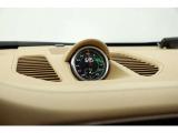 スポーツクロノPKGが装備されており、運転性能の向上やリセールのポイントとなります。