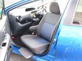 乗降に便利な助手席手動回転タイプのシートとなります!手動回転操作も簡単に行えます!