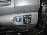 電動格納式リモコンドアミラーで狭い駐車場でワンタッチでドアミラーの格納が可能!