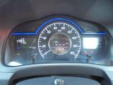 メーターには、平均燃費などの情報が表示されます!